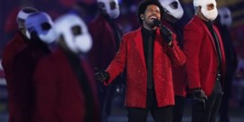 Tom Brady haalt buit binnen op Super Bowl, popster The Weeknd treedt op