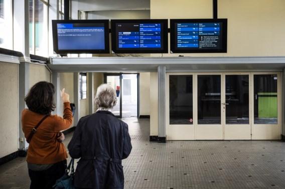 NMBS houdt vast aan sluiting loketten in 44 stations
