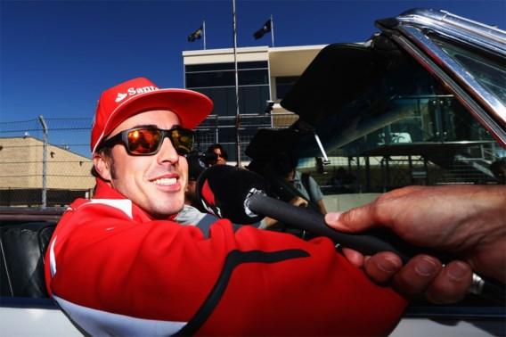 Racepiloot Fernando Alonso betrokken bij ongeluk tijdens fietstocht