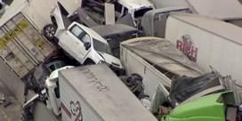 130 voertuigen betrokken bij dodelijke kettingbotsing in VS