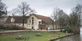 Wandelaars en fietserskrijgen hectare meer plaats op Brugse Vesten