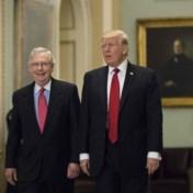 Trump roept Republikeinen op Mitch McConnell rug toe te keren: 'Saaie politieke hack die nooit lacht'