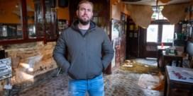 Gesprongen waterleiding zet Antwerps volkscafé Pelikaan blank