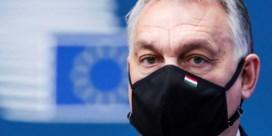 Europese Commissie dreigt met boetes tegen Hongarije over omstreden ngo-wet