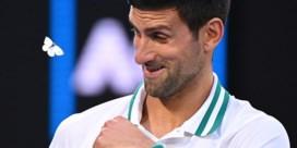 Novak Djokovic staat in finale Australian Open na winst tegen toernooisensatie Karatsev