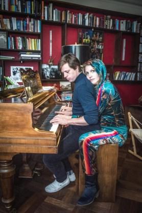Felix van Groeningen en Charlotte Vandermeersch verfilmen <I>De acht bergen</I>: 'Het leek gek om dit in de Rocky Mountains te draaien'