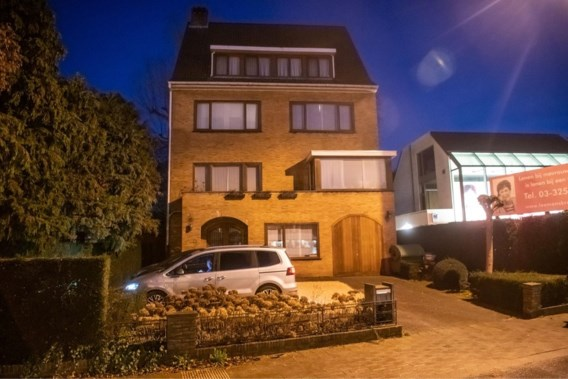 Onbekenden bedreigen buren van Bart De Wever