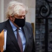 Boris Johnson kondigt exitplan aan: 'Het einde is echt in zicht'