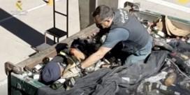 Spaanse politie redt migranten uit afvalcontainers