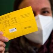 Europese vaccinpas kan tegen zomer klaar zijn, België kritisch