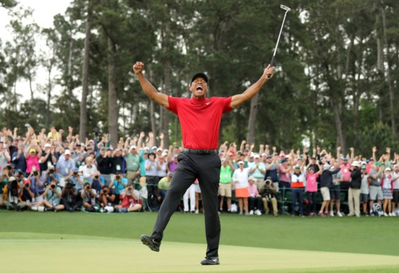 Tiger Woods reageert voor het eerst zelf na crash, nadat topgolfers golficoon steunen met specifieke outfit