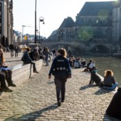 'Het is hypocriet: als de politie passeert, gaan de maskertjes over de neuzen'