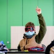 Helft bijkomende besmettingen bij tieners en hun ouders
