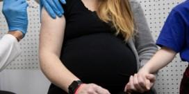 Moet elke zwangere vrouw een covid-prik?