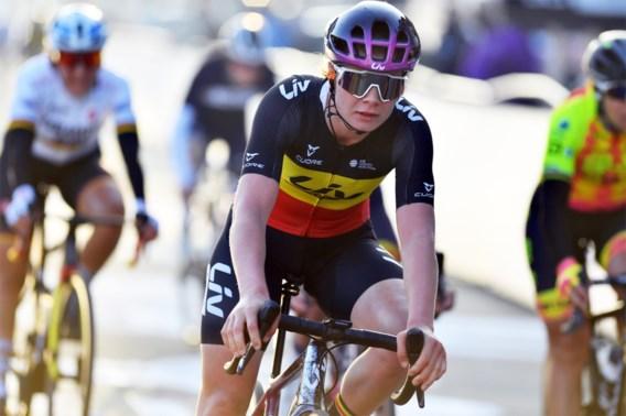 Lotte Kopecky snelt naar winst in GP Samyn