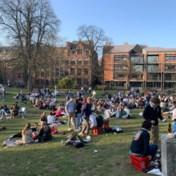Politie sluit druk stadspark Leuven af voor het uit de hand loopt