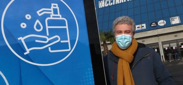 Politieke druk groeit om 'ingewikkelde' vaccinatiestrategie overboord te gooien