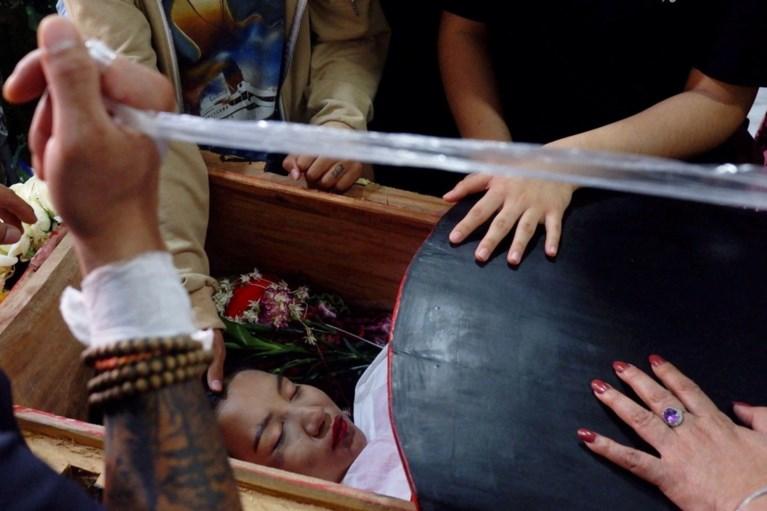 Myanmar rouwt om neergeschoten 19-jarige: 'Everything will be ok'