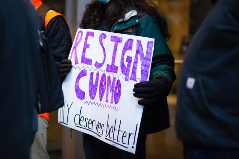 New Yorks gouverneur Cuomo wil niet aftreden