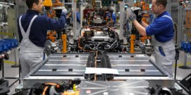 Volkswagen steekt Tesla naar de kroon met batterijfabrieken