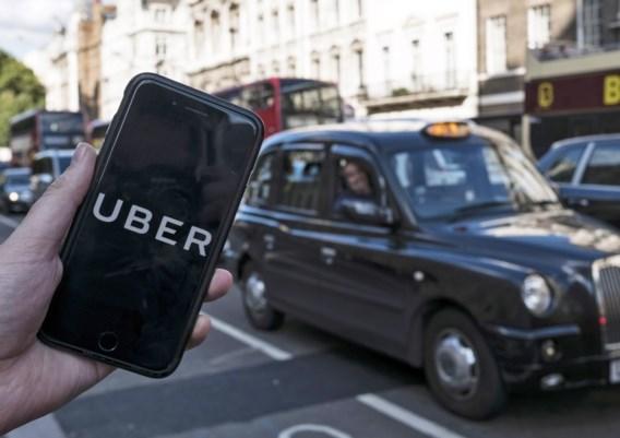 Uber erkent 70.000 Britse chauffeurs als 'workers'