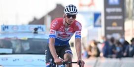 1.000 euro en een nieuw stuur voor wie de kapotte fiets van Mathieu van der Poel heeft