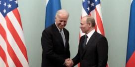 Biden zegt dat 'moordenaar' Poetin zal boeten voor Russische inmenging verkiezingen