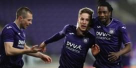 Anderlecht klopt Zulte Waregem en komt opnieuw naast KVO