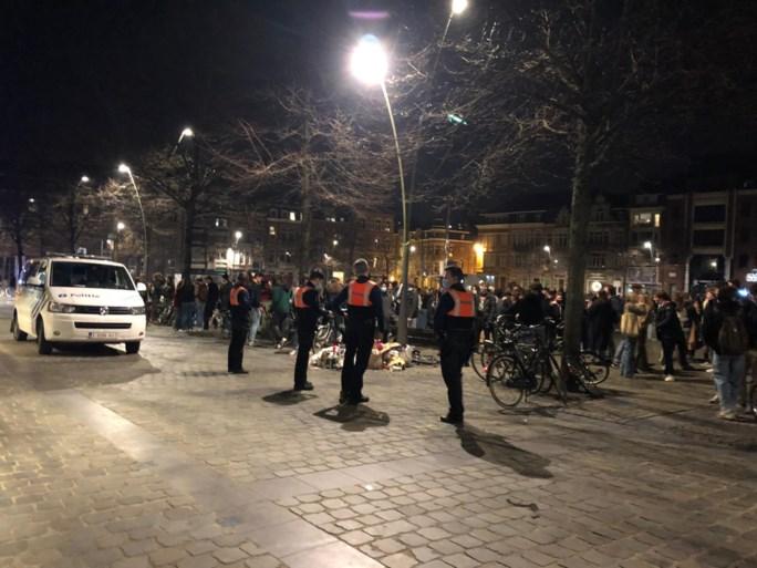 Leuvens plein dinsdagavond ontruimd na samentroeping jongeren