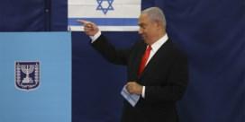 Netanyahu eist overwinning op in Israëlische verkiezingen, maar coalitiepartner bepaalt of hij aan de macht blijft