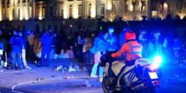 Politie ontruimt Sint-Pietersplein in Gent: 2 arrestaties, 3 pv's en een GAS-boete
