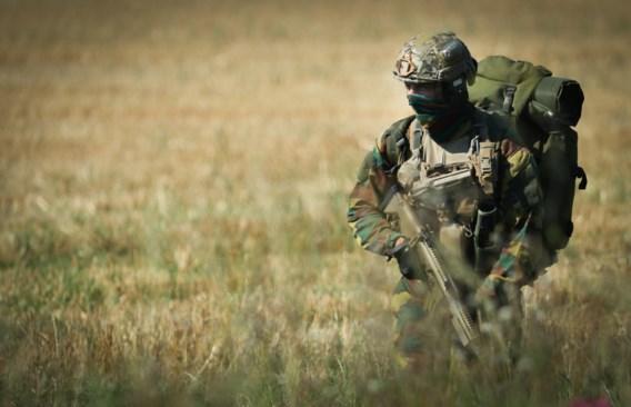 Dertigtal extreemrechtse militairen van nabij gevolgd