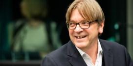 Guy Verhofstadt vreest voor misbruik coronamaatregelen na deze crisis. 'Dit moet uitzonderlijk blijven'