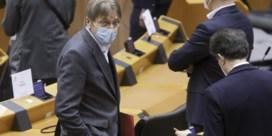 Waarom Guy Verhofstadt al gevaccineerd is