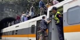 Minstens 48 doden na ontsporing van trein in tunnel in Taiwan