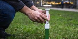 Curieuzeneuzen starten metingen droogte en hitte: hier gaan gazondolken in de grond