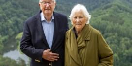 Koning Albert en koningin Paola brengen coronacrisis door in Ardens dorpje