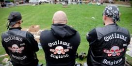 Politie treft wapenarsenaal aan tijdens huiszoekingen bij motorclub Outlaws