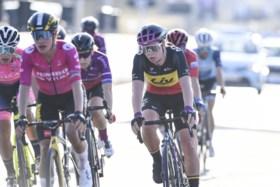 Van Vleuten wint Ronde voor vrouwen na indrukwekkende solo
