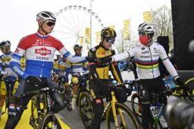 Asgreen vloert Van der Poel verrassend in eindsprint Ronde van Vlaanderen