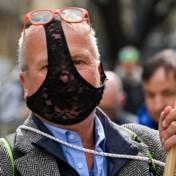 Duizenden 'dwarsdenkers' protesteren in Stuttgart