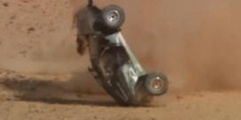 Rallycoureur gaat meermaals overkop tijdens spectaculaire crash