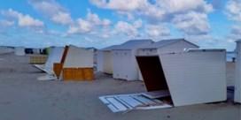 Rukwinden aan zee: meerdere cabines omvergeblazen