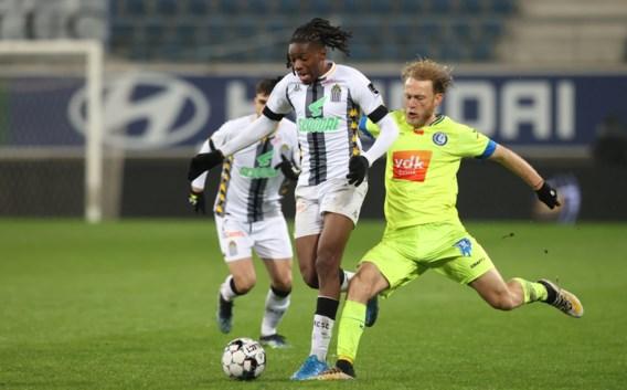 AA Gent lonkt naar play-off 2 na ruime 4-0-zege tegen Charleroi