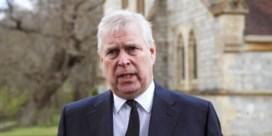 'Queen voelt grote leegte' na dood prins Philip, 'maar blijft stoïcijns'