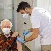 Coronablog |'Zondagsvaccinatie' van start: vandaag ruim 3.000 prikken in drie Vlaamse vaccinatiecentra