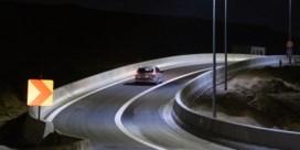Vier nachten puzzelwerk in schaduw van Kennedytunnel