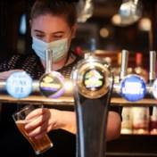 Versoepelingen in Engeland: rijen bij pubs en drukte in winkelstraat
