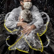 Beeld dat vluchtroute uit pandemie toont wint World Press Photo