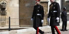 Britse royals niet in militair uniform naar begrafenis vanwege prins Harry